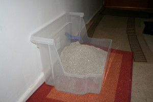 High sided cat litter tray-1